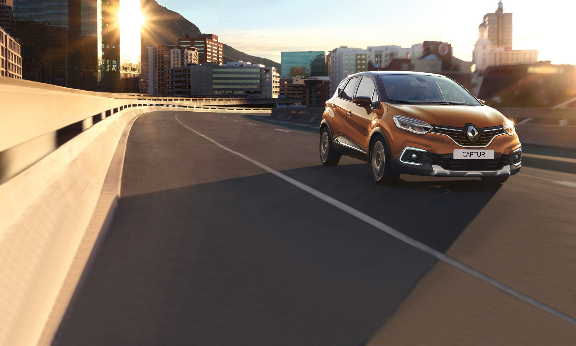 renault-captur-ph2-herozone-desktop_v2.jpg.ximg.l_full_h.smart