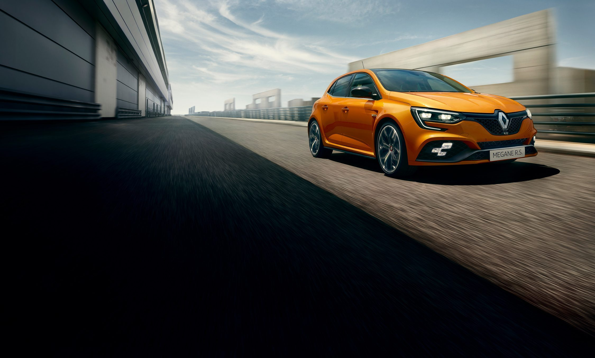 renault-megane-rs-beauty-shot-desktop.jpg.ximg.l_full_h.smart